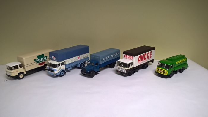 Altaya-Ixo -  Scale 1/43 - Lot of 5 European trucks from the 1950s to 1970s released between October and December 2010