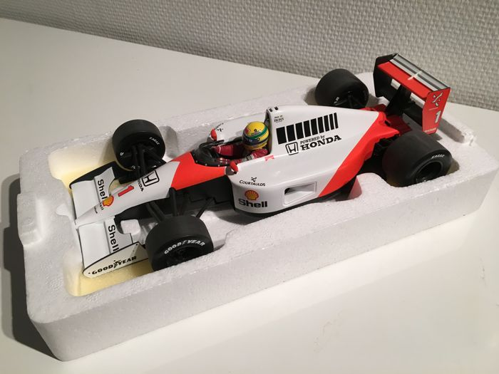 Minichamps - Scale 1/18 - McLaren Honda MP 4/6 1991 Ayrton Senna Collection