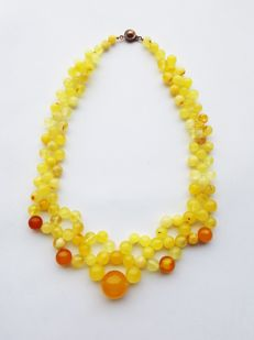 Authentic natural Baltic Amber necklace eggyolk butterscotch, 39 grams