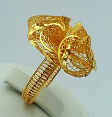 22 Ct Gold Flower Ring, New(Unused) *** NO RESERVE PRICE***