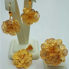 22 Ct Gold Rose Ring, Earring & Pendant set, New (Unused )  ***INVEST IN BULLION GOLD JEWELRY ***