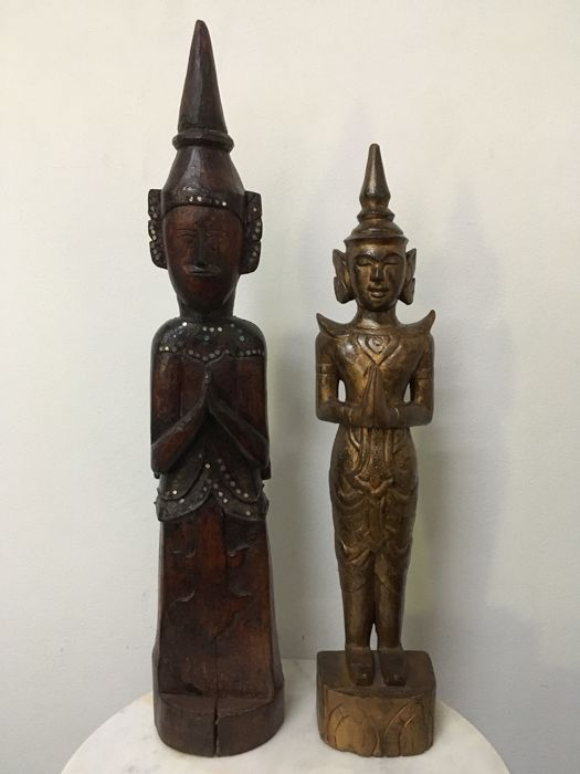 2 Large Wooden Standing Angel (ca 66,57 cm). Burma (Mandalay) - 2nd half 20th century (66cm)