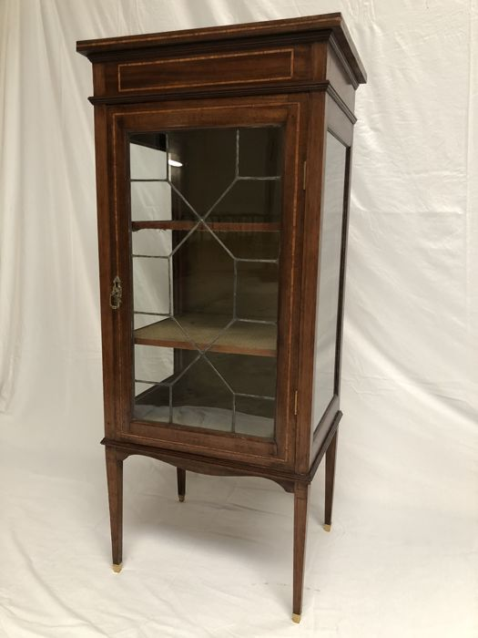 Display cabinet in Sheraton style in mahogany and rosewood - England - circa 1900