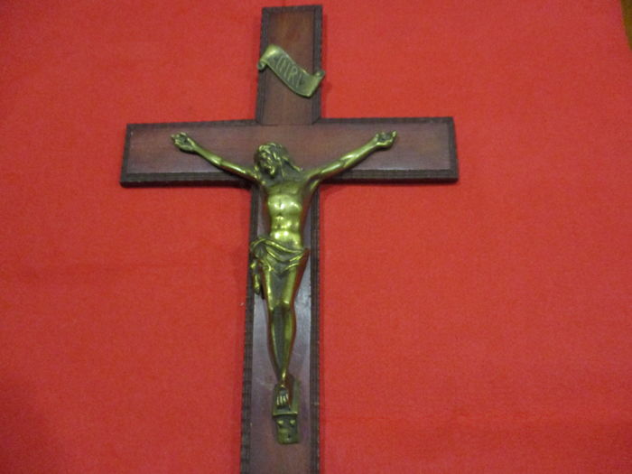 Christ on his cross in bronze, probably 19th century to 20th century