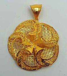22 Ct Gold Flower Pendant, New(Unused) ***INVEST IN BULLION GOLD JEWELRY ***