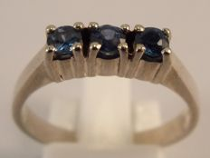 14 karat white gold ring with 3 Sapphires (0.30 ct)