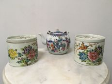 3 Porcelain Famille Rose Boxes and Tea-pot. China - second half 20th century