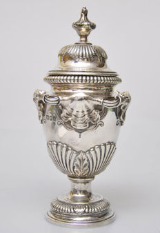 A Georgian style silver urn - family crest of Edgecumbe, wild pig, London - 1965-66