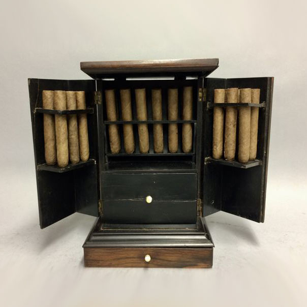 Wooden cigar cabinet for 24 cigars, with accessories - Wooden Cigar Cabinet For 24 Cigars, With Accessories - Catawiki