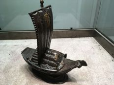 Bronze incense burner, Takarabune ('treasure ship') - Japan - mid-20th century