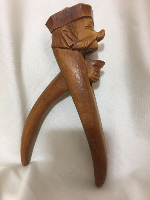 Hand-carved wooden Jew mocking nutcracker - Germany - ca 1900-1920