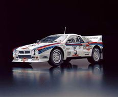 Kyosho - Scale 1/18 - Lancia Rally 037 - Martini Racing Team 1984 Tour de Corse  Driver Marku Alen