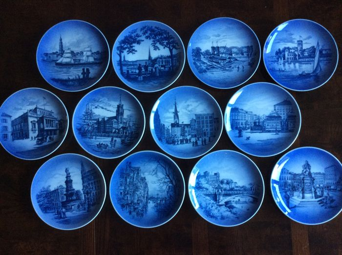 Royal Copenhagen - Twelve porcelain decorative plates of Hamburg & Royal Copenhagen - Twelve porcelain decorative plates of Hamburg ...