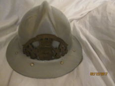 Superb firefighter's helmet 1950 resin