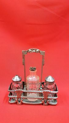 Pepper and salt set/richly decorated