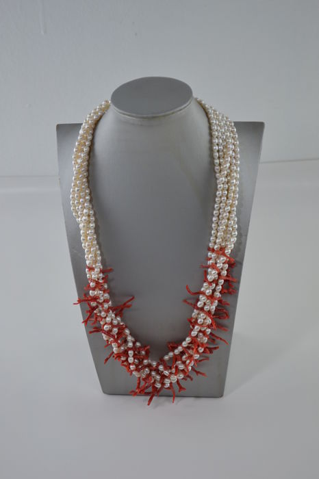 Necklace and Bracelet Set with Natural Pearls and Coral