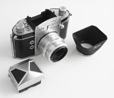 EXA Ihagee: type 5 with interchangeable viewfinder, 1:2.8/50 mm Carl Zeiss lens (with original rectangular lens hood) in very good condition, 1959