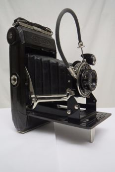 "ZEISS-IKON ""Simplex"" (511/2) The body is made of bakelite 1930 Germany (Rarity)"