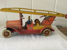 TippCo, Germany - Length 29 cm - Tin fire truck with ladder with clockwork motor, 1930s