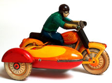 LMW, USSR - Length 22 cm - Tin motorcyclist with sidecar with clockwork motor, 1950s/80s