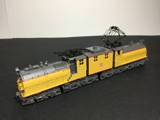MTH H0 - 81-2007-1 - Elektrolokomotive - E4 Bi-Polar - Milwaukee Road