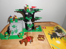 Castle - 6066 - Camouflaged outpost