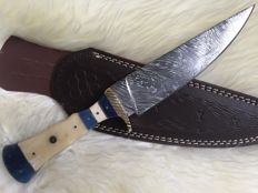 Top quality handmade of 256 layers of damascus knife uniqe and very well made knife .. razor blade sharp.