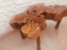 Coffee table - unique handcrafted work made in olive root - Italy - weight: ca. 30 kg