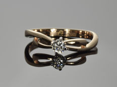 Gold ring 14 kt with diamond. Size 54.5 (17.3 mm in diameter)