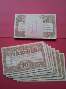 Denmark - 57 x 10 kroner 1943 - Pick 31n and 31o
