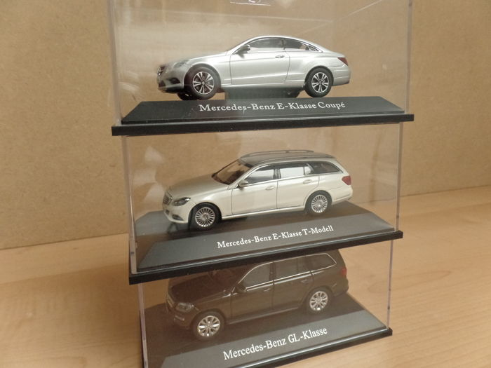 Kyosho / Norev - Scale 1/43 - Lot with 3 model cars: Mercedes-Benz GL-Class, Mercedes-Benz E-Class T-Model, Mercedes-Benz E-Class Coupé