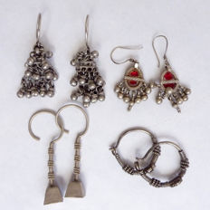 Lot of 4 pair of earrings - Rajasthan and Gujarat, India - mid XXth c