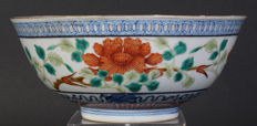 Famille rose bowl - China - late 19th/early 20th century
