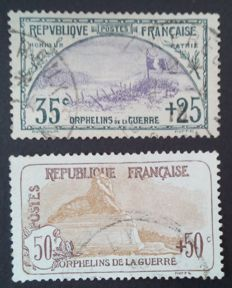 France 1917/1918 - 2 stamps from the first Orphelins series including 1 signed Calves - Yvert no. 152 and 153
