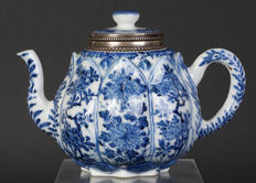 Very exclusive blue-white porcelain teapoy with Holland silver frame - China - 17th century (Kangxi period)