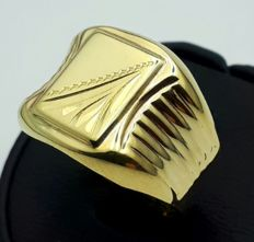 14 Ct Yellow Gold Men's Ring,  size:20.50mm, Total 3.70gr