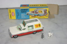 Corgi Toys - Scale 1/43 - Chevrolet Kennel Service Wagon No.486