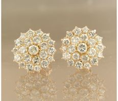 14 kt rose-gold rosette earrings with 44 diamonds of approx. 3.50 ct in total - diameter: 15.5 mm