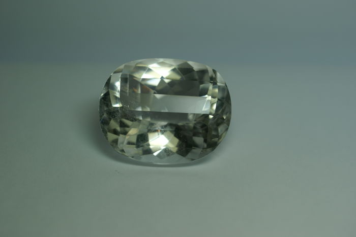 Rock Crystal - 96.99 ct,