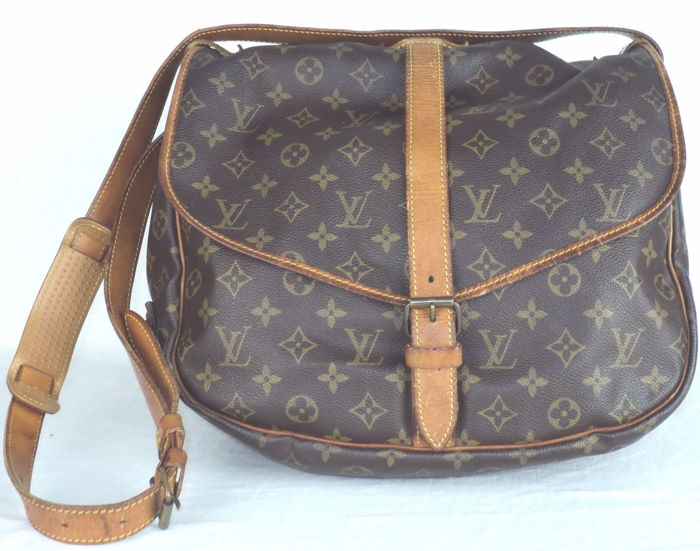 e1d5c406ac1 Louis Vuitton - Saumur 35 Shoulder Messenger Bag - Vintage - Catawiki