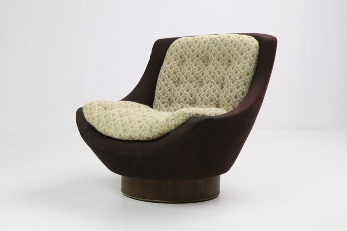 Designer unknown - lounge chair from the 1960s.