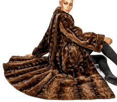 Very pretty mink coat fur coat mink fur patterned and shorn with wide hem in light swinger look