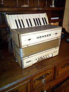 Antique wooden keyboard accordion - Hohner - early 20th century