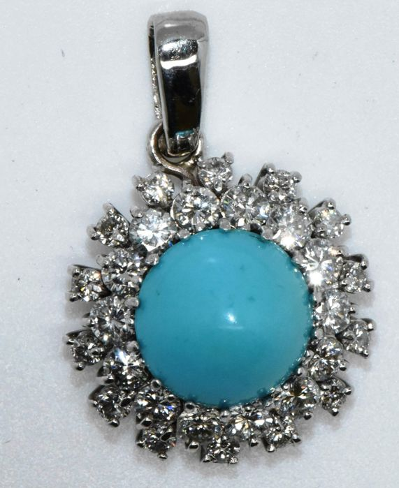 Pendant in 18 kt white gold with diamonds totalling 0.98 ct and turquoise