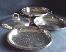 Nice service dish with lid, exquisite design with two inserts for different uses, approx. 1910