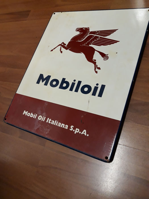 Mobiloil Italiana Spa metal sign - 1990s