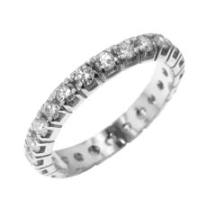 Classic 0.92ct Diamond Band in Mint Condition.