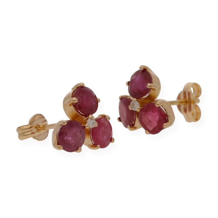 Gold 18 kt - Earrings - Diamonds of 0.03 ct - Rubies 2 ct total price