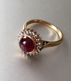 Natural Ruby and Diamond Gold Ring - 18 ct. - Size: Italy: 14,5
