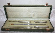 Rare antique sterling silver writing case + Antique solid 18 carat gold nib with eagle's head hallmark France in a Louis XVI style case.
